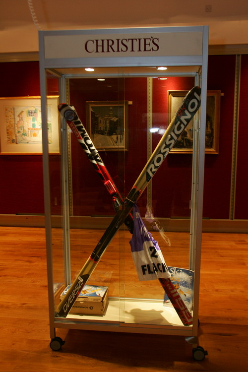 050301-092-Ski_Auction_1.jpg