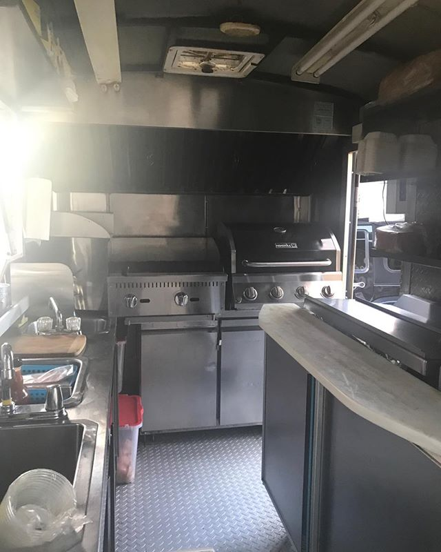 Be proud of your foodtruck keep it spotless your customers are important! #vancouverfoodtrucks #vancouverfoody #vancouverstreetfoodapps #creativebc