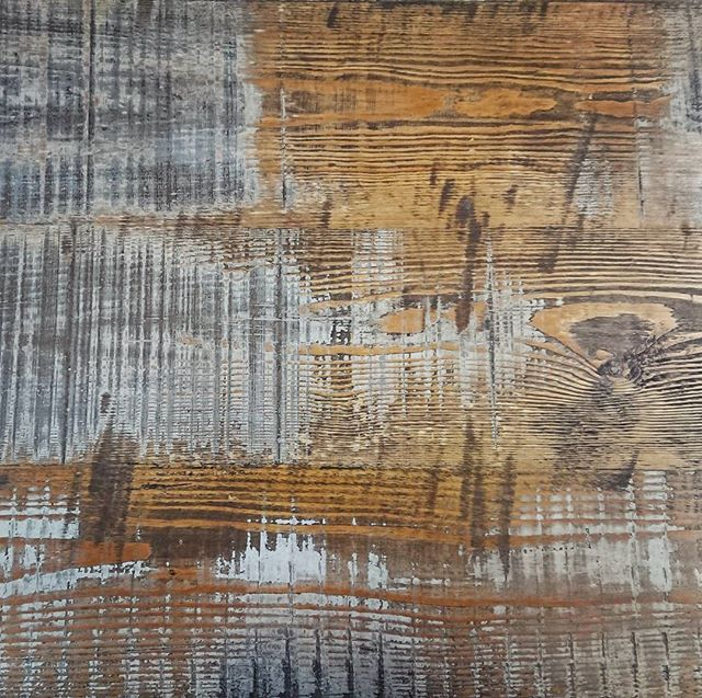 Distressed effect table top made from reclaimed painted pine boards.  #patina #reclaimedwood #reclaimed #re4med #reclaimedpine #tabletop  #paintedwood #pine