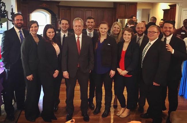 - Nuevo Consejo de Líderes Kentucky (NLC)-Fellow, 2017: este es un programa de capacitación de 6 meses para preparar a los líderes comunitarios para postularse para la oficina política o para iniciar negocios.Nuevo Consejo de Líderes Kentucky (NLC)-miembro de la Junta Ejecutiva, 2018