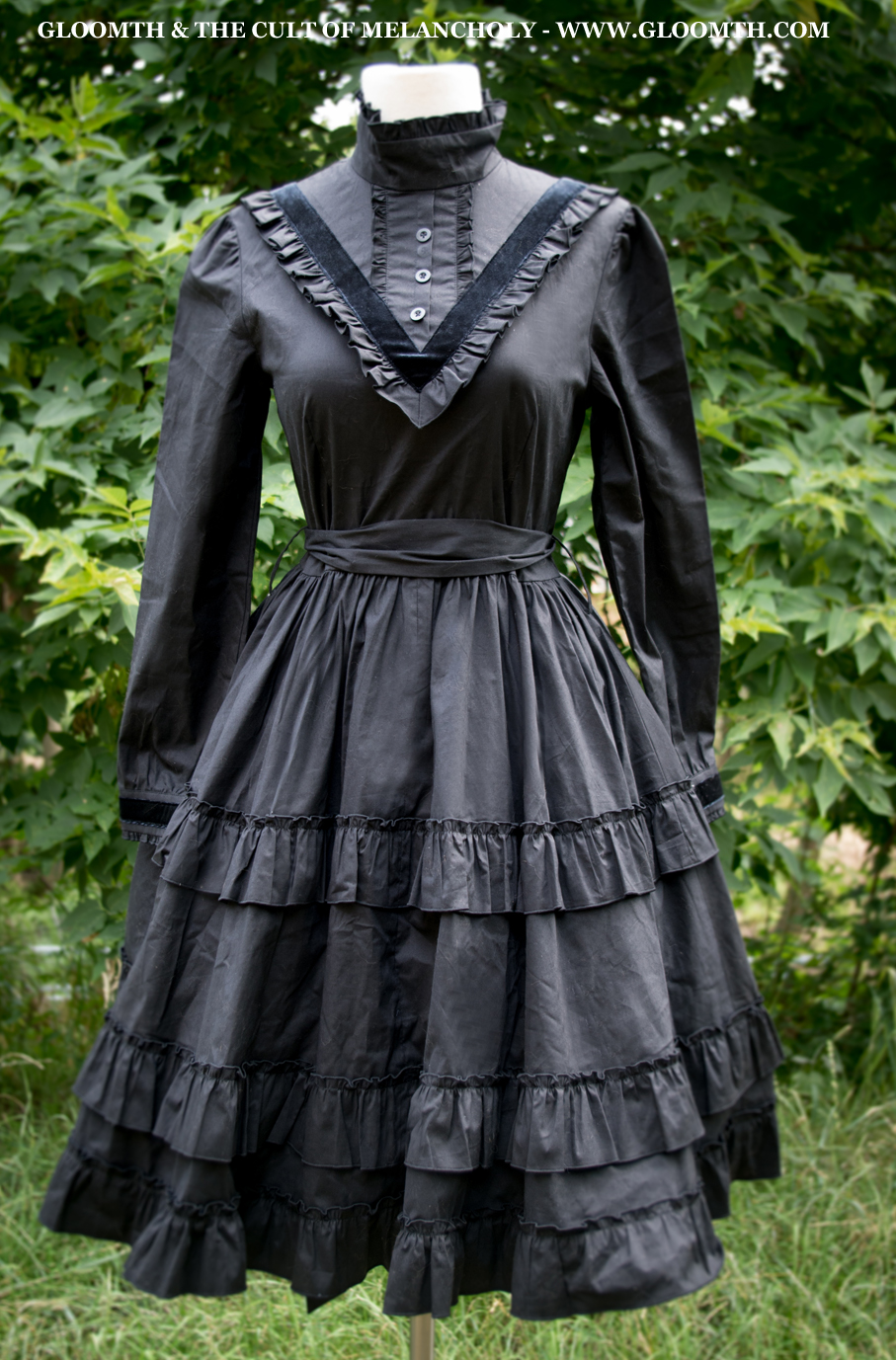 617c841a33 Victoria Victorian Mourning Dress With Velvet Trim Gloomth