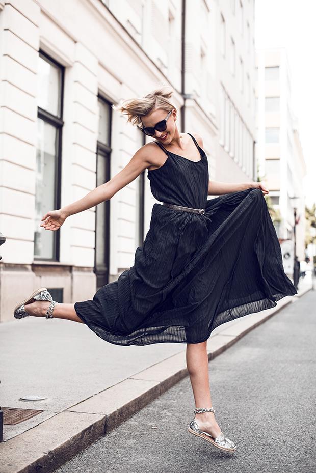 liliinroaza_max_crna_obleka_anela_3