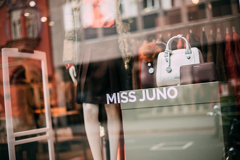 maxco-miss-juno-7451