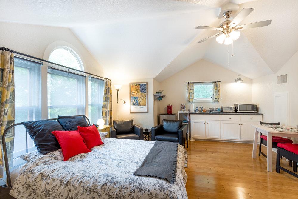 06.18.18 San Antonio Airbnb-2.jpg