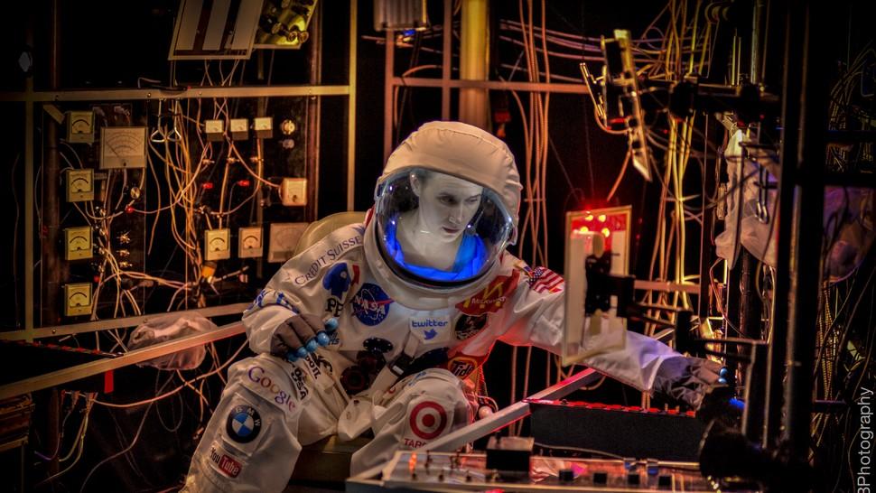 Spaceman - by Leegrid Stevens