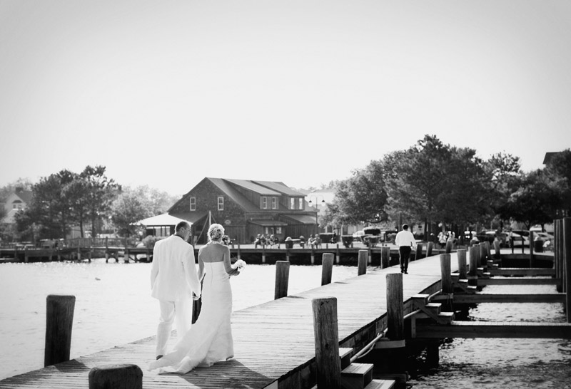 dock wedding in outerbanks in north carolina by alison yin