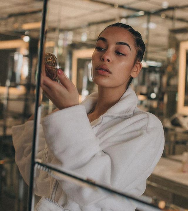 If only our skin looked like this in *prep* @jorjasmith_ 😢