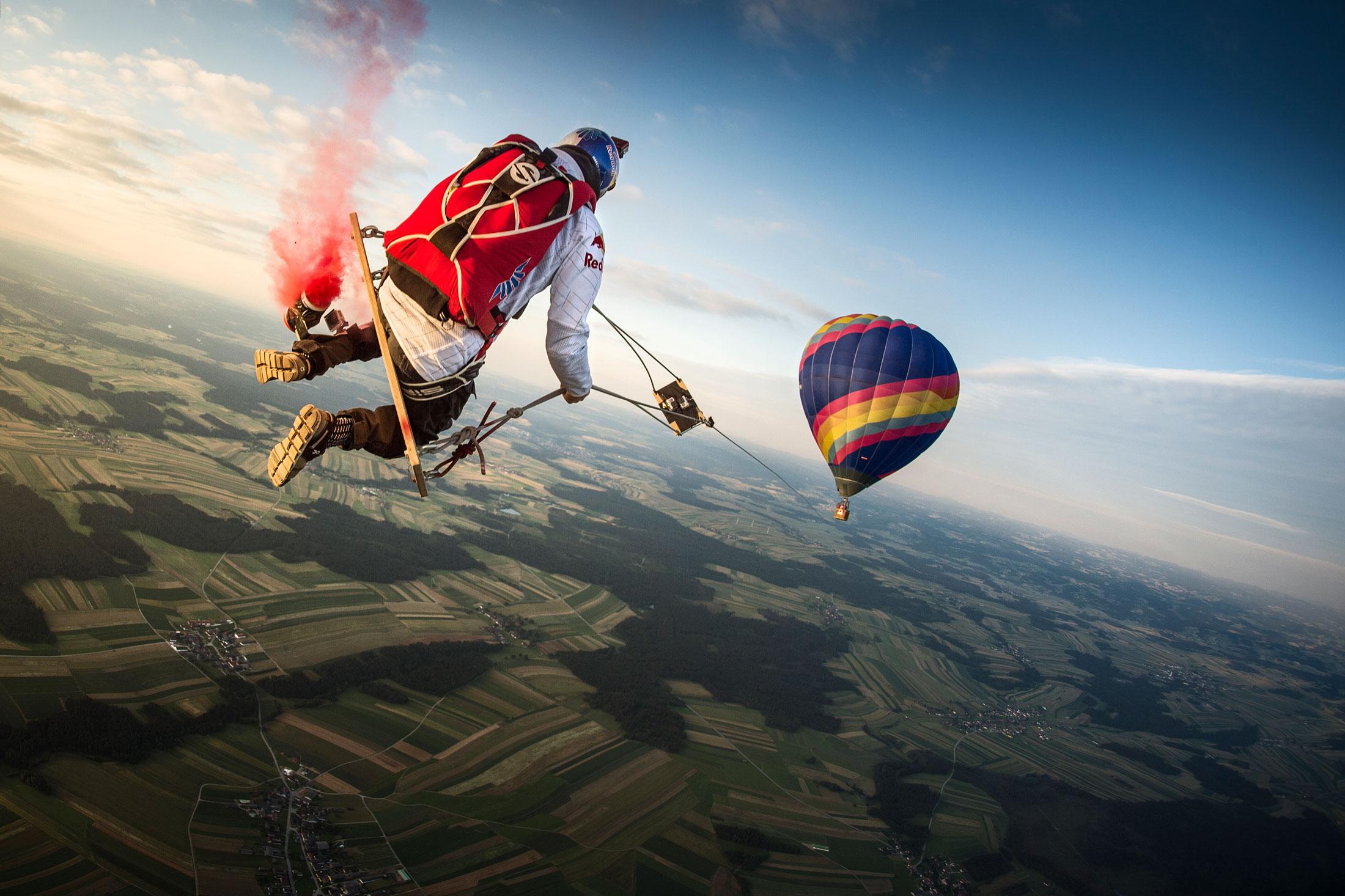 Red Bull Skydive >> Red Bull Skydive Team Adi Sumic