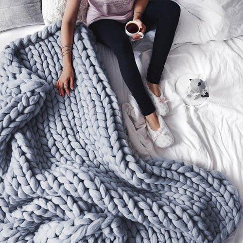 extreme-chunky-knitted-blanket_800x_grande_3bb45dd7-44e8-49bf-b04c-837442ce7c21_2000x.jpg