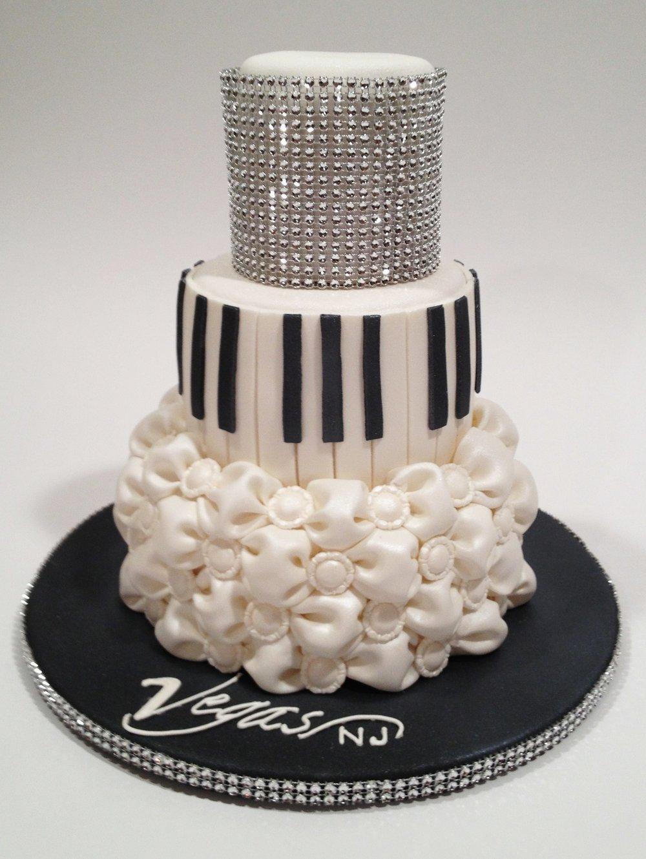 Piano bar cake