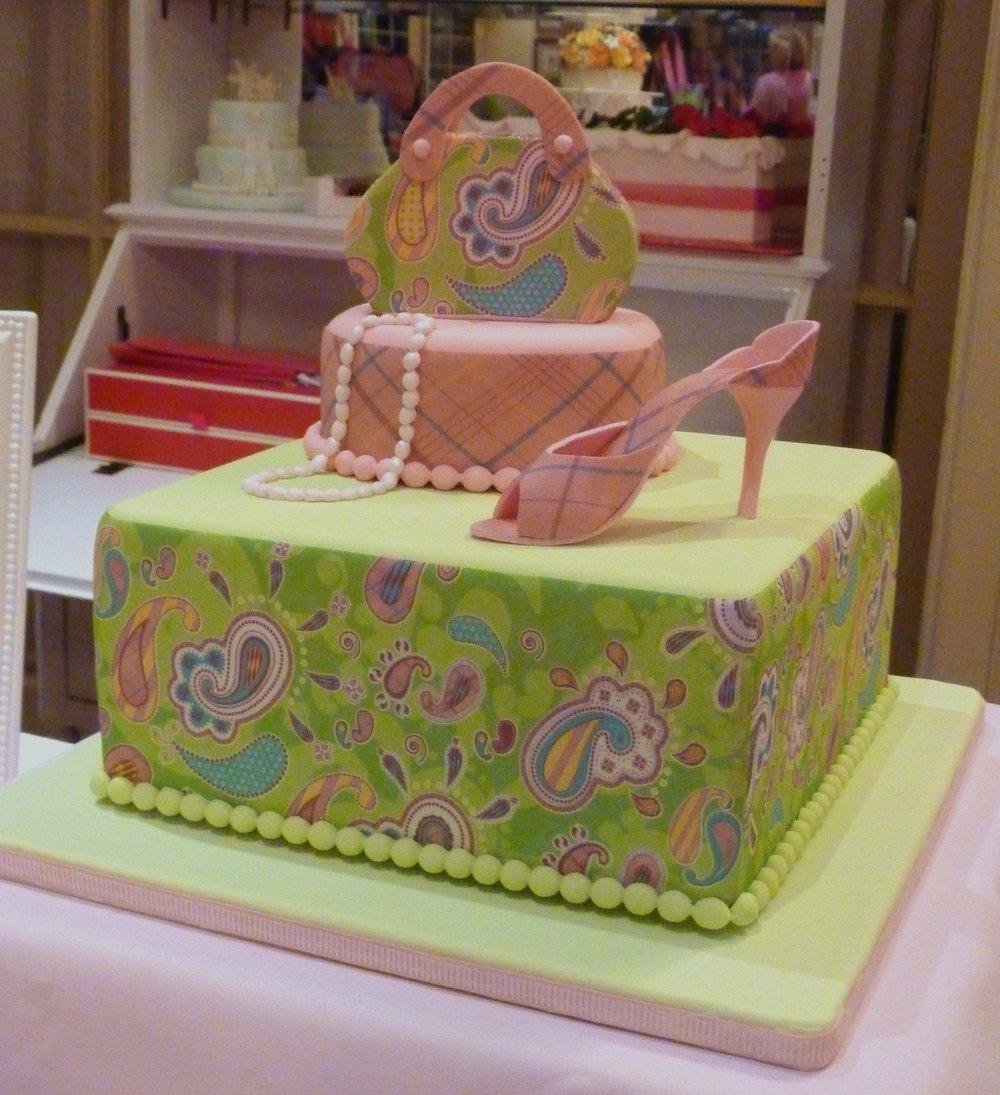 A shopper's celebration cake