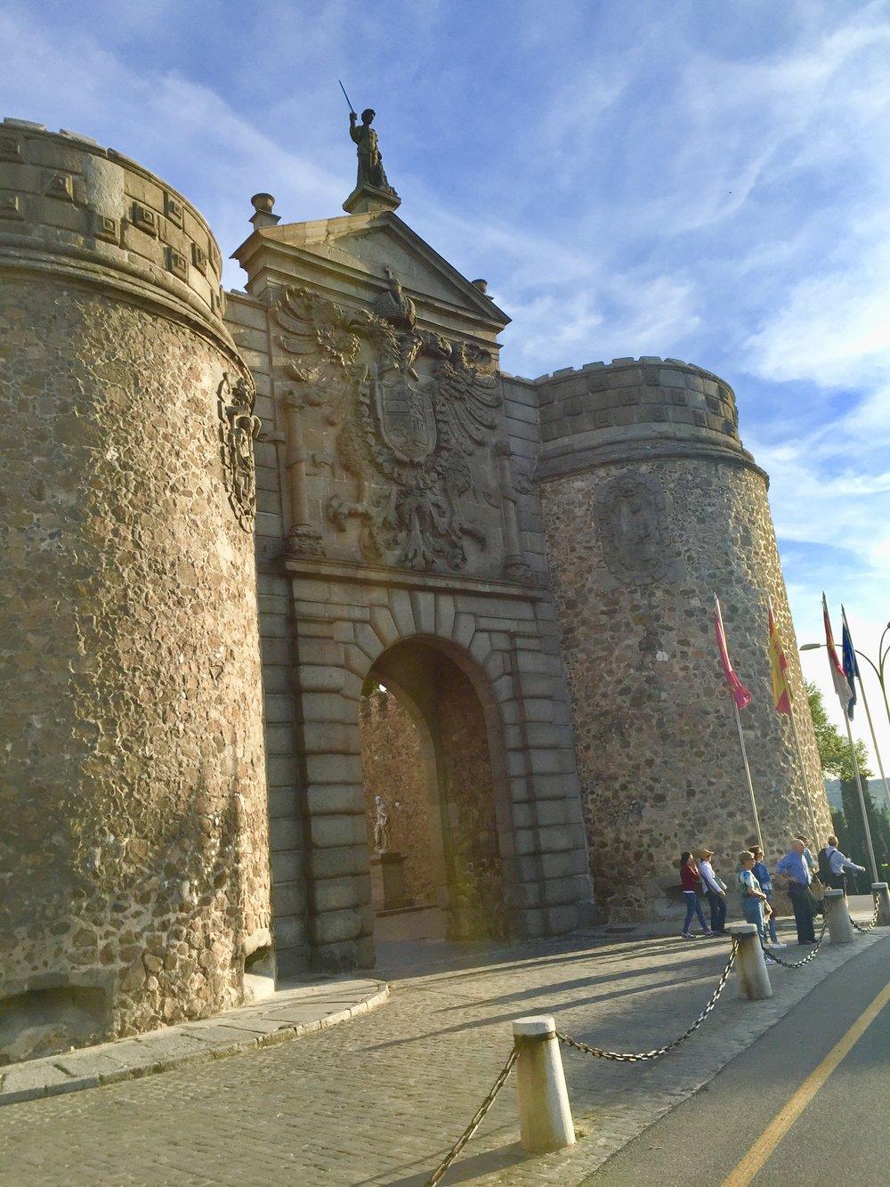1-Puerta Nueva de Bisagra.jpg
