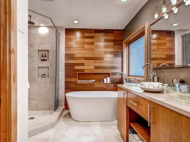 Copy of 17770 W 58th St Minnetonka MN-MLS_Size-007-11-Bathroom-640x480-72dpi.jpg