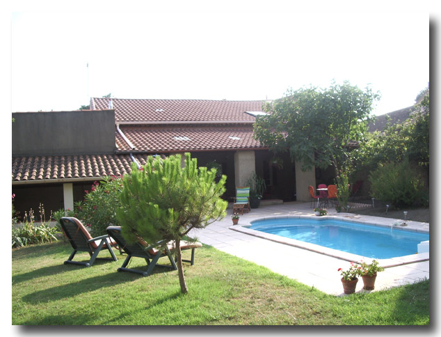 Pool%20and%20villa%20opt%20600%20ds%20for%20front%20page.jpg