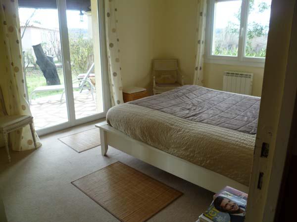roland, bed 2.JPG