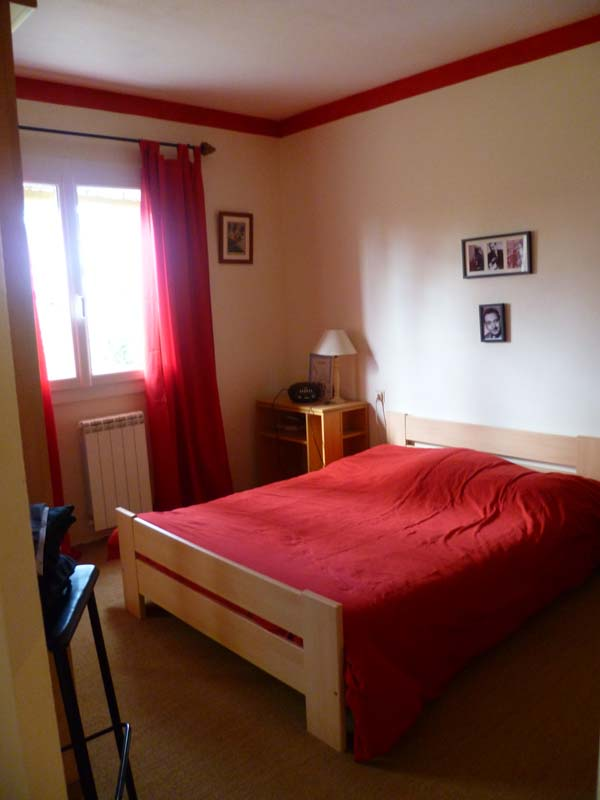roland, bedroom 3.JPG