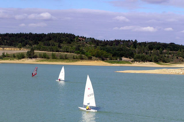 Sailing on Lac de la Ganguise.jpg