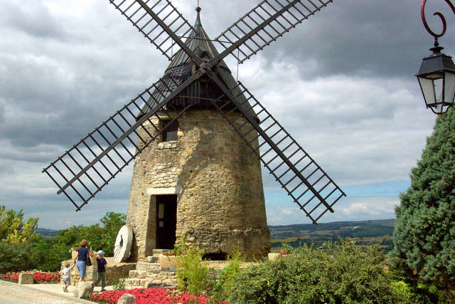 Windmill in Castelnaudary.jpg
