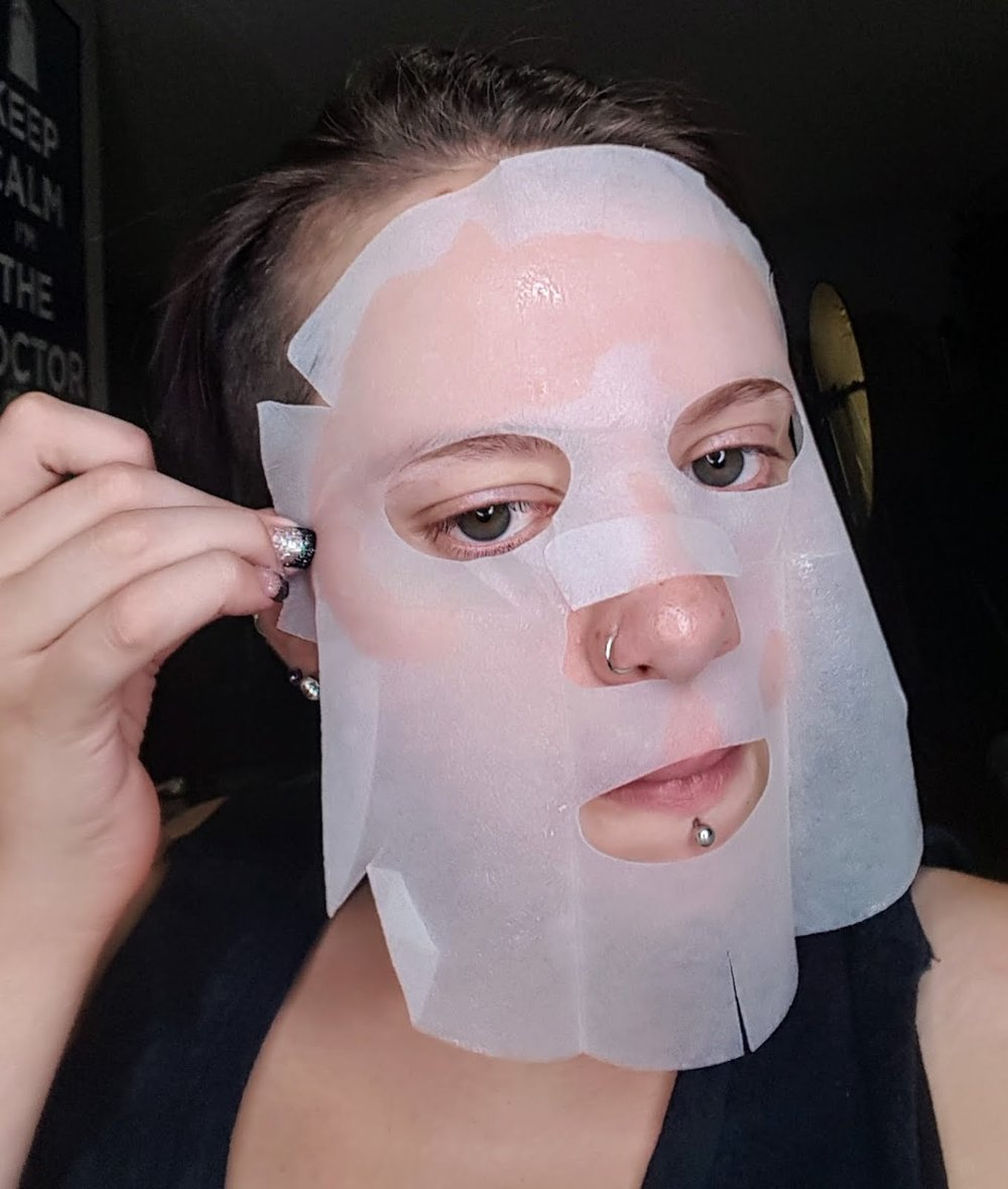 Pull the outside of the mask taught onto your face -