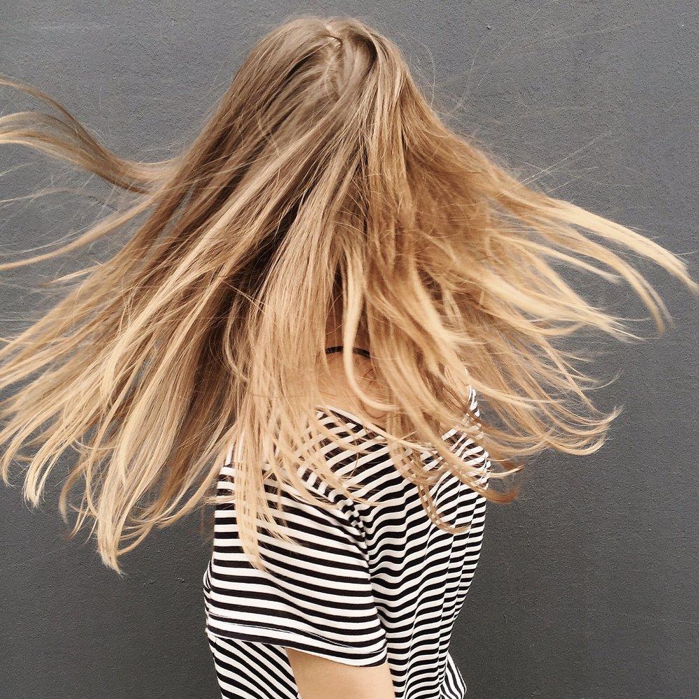adult-beautiful-blond-880474.jpg