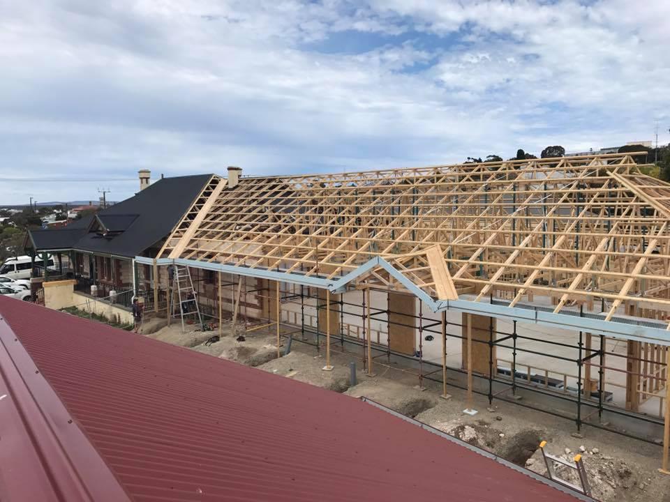 roof trusses.jpg