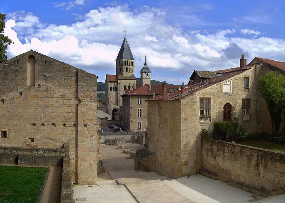 Panorama_Abbaye_de_Cluny.jpg
