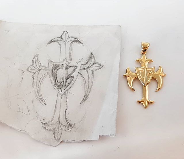Costumers sketch brought to life ✍  #gold #handmade #jewelry #cross #sketching #costummade #18kgold #guldsmed