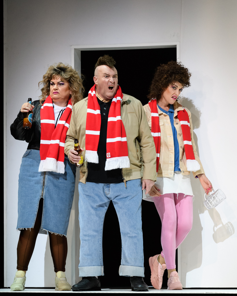Susan Bullock, Andrew Shore and Allison Cook in Mark-Anthony Turnage's  Greek . an Opera Ventures and Scottish Opera co-production (2017)   Credit: Jane Hobson