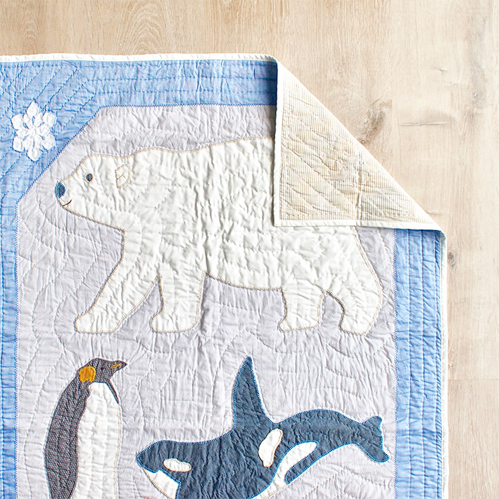 patterns & motifs cotonnier antarctic animals baby's quilt.jpg