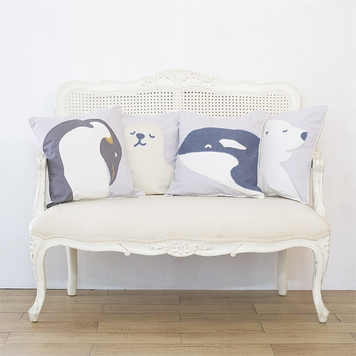 patterns & motifs cotonnier antarctic animals decoration pillows.jpg