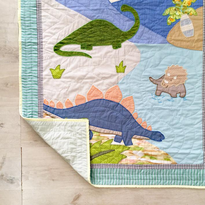 patterns & motifs cotonnier dinosaurs baby's quilt.jpg