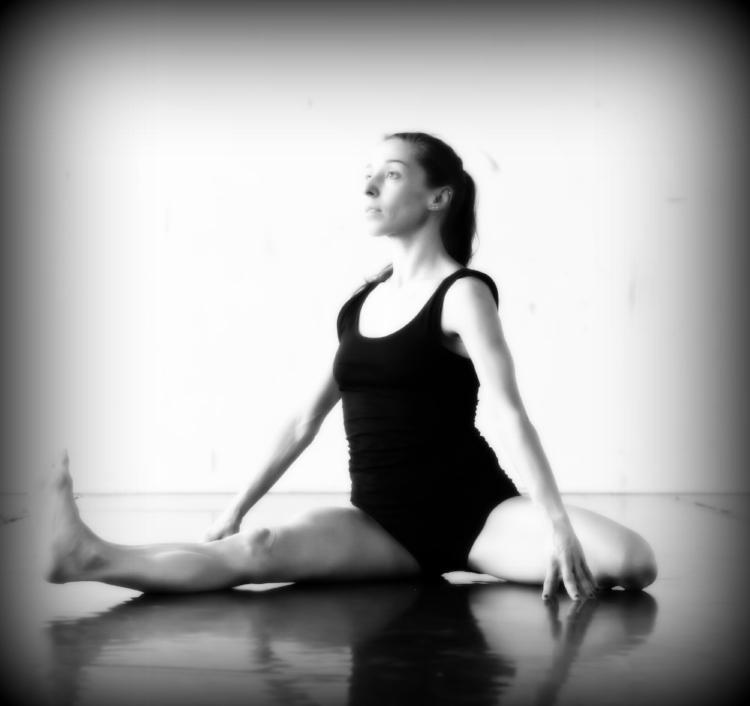 Dancer: Cristiana Casadio / Photo: Lou Andrea Savoir
