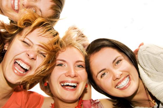 make-up-fuer-freundinnen-beratung-fuer-6-personen-670-main-2.jpg