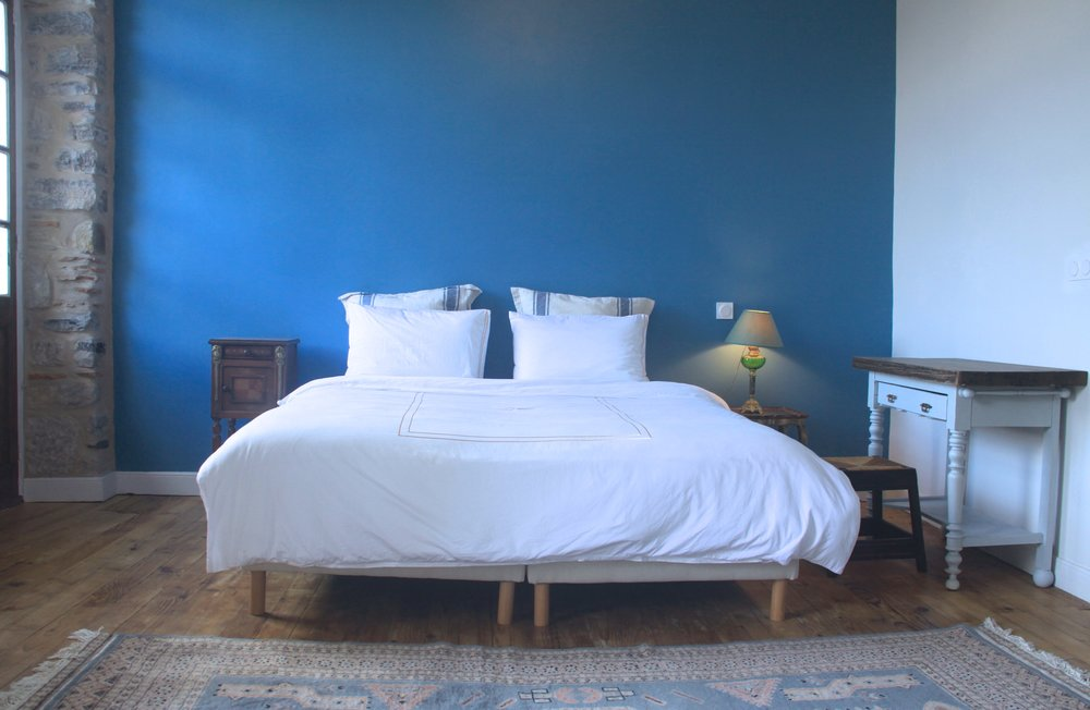 Beau King Size Bed With Egyptian Cotton Sheet Set