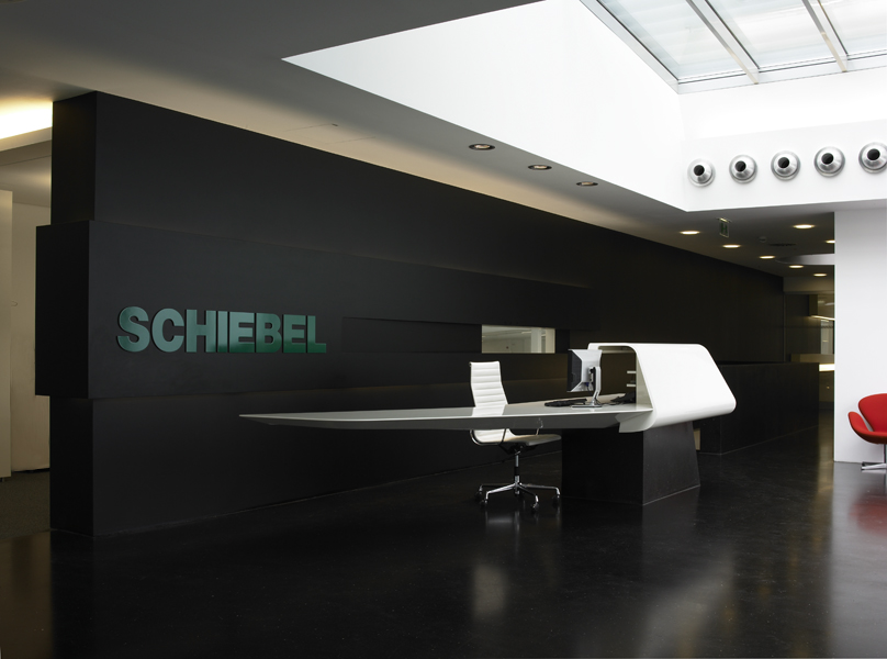 A01 architects - Production Facility Schiebel_(c) Nadine Blanchard__web08.jpg