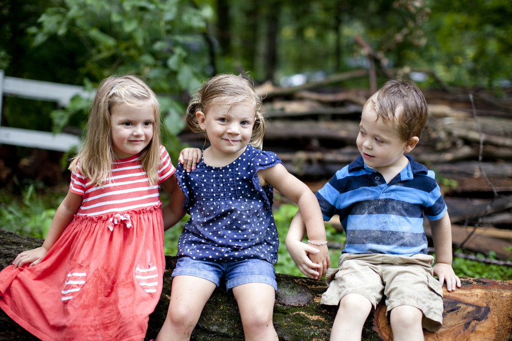 portrait photography of kids outdoors