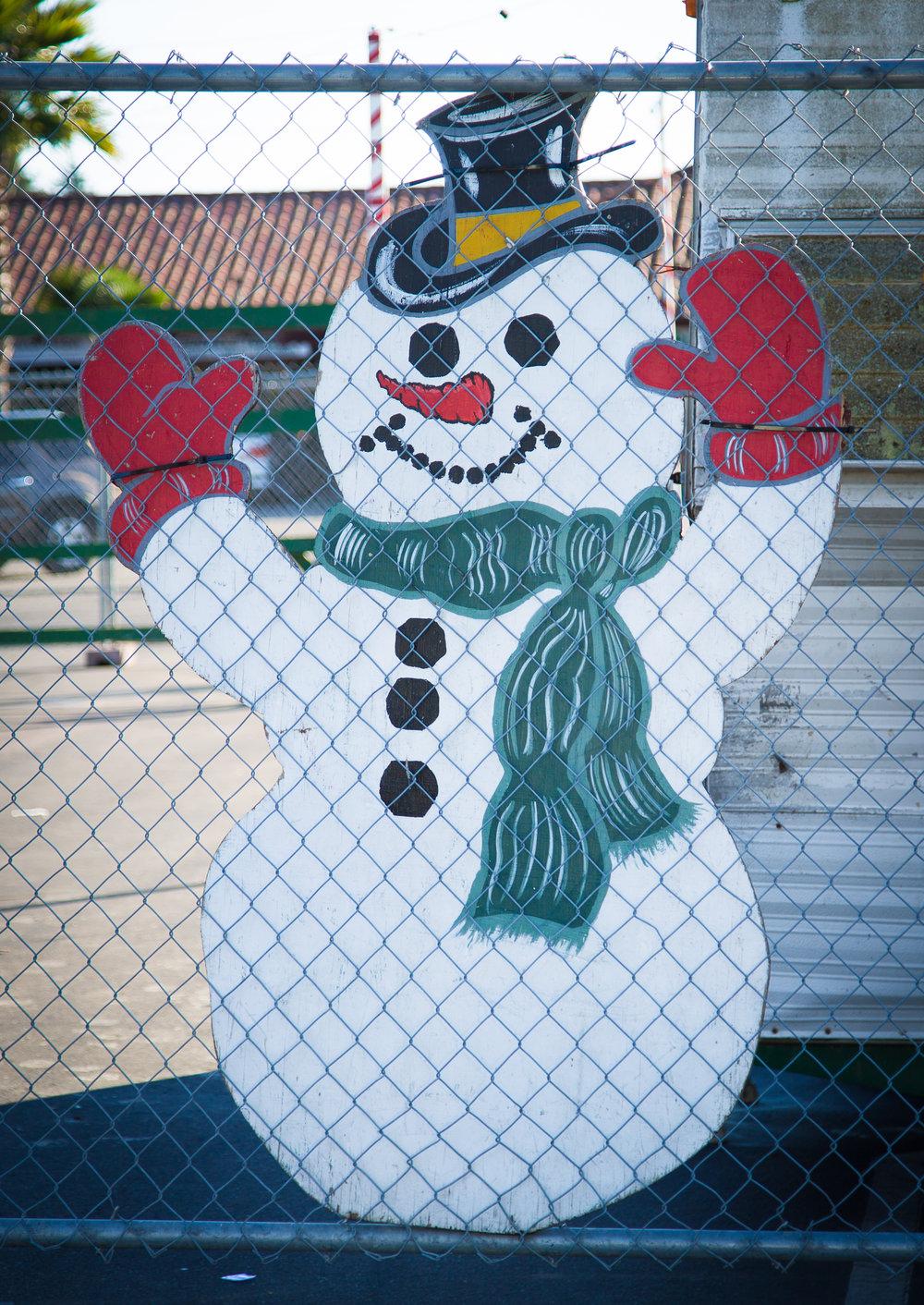 shop small snowman