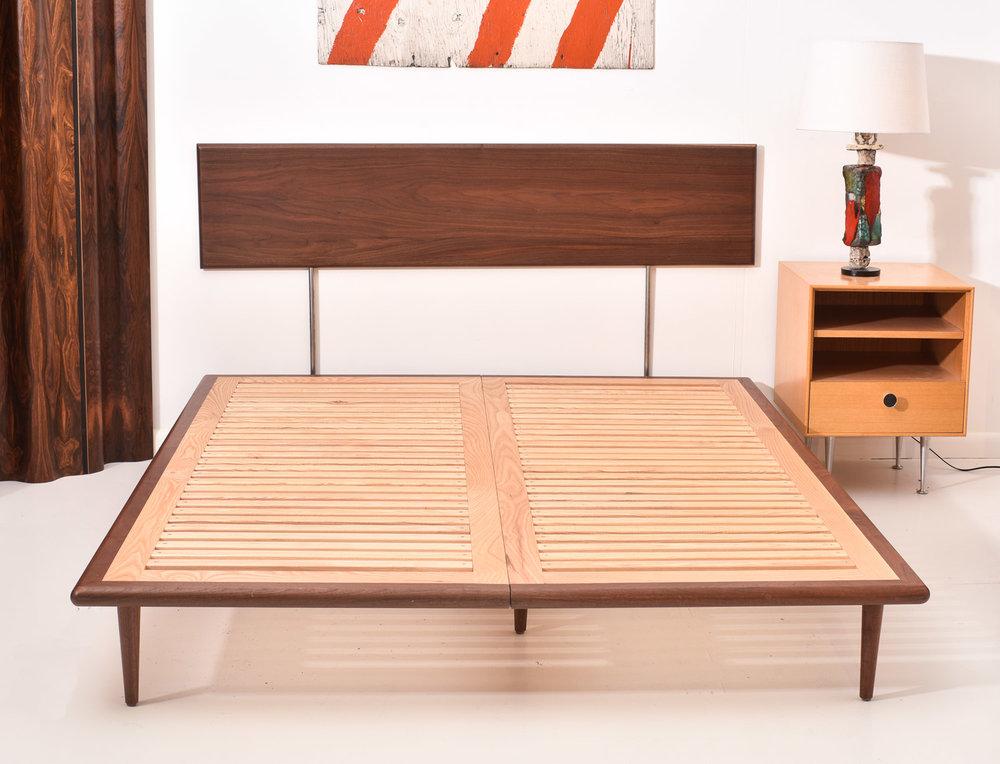 DDMD ann margaret bed 1500-70-3978.jpg