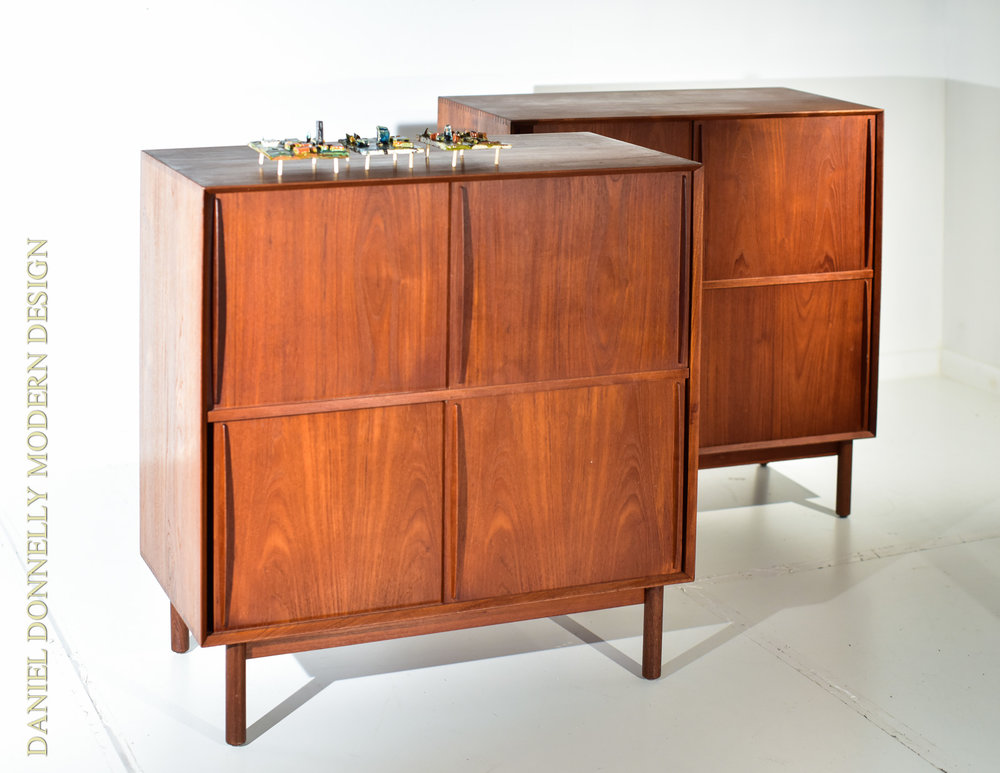 Vintage Back Room - One of a kind deals of investment-grade furnishings.