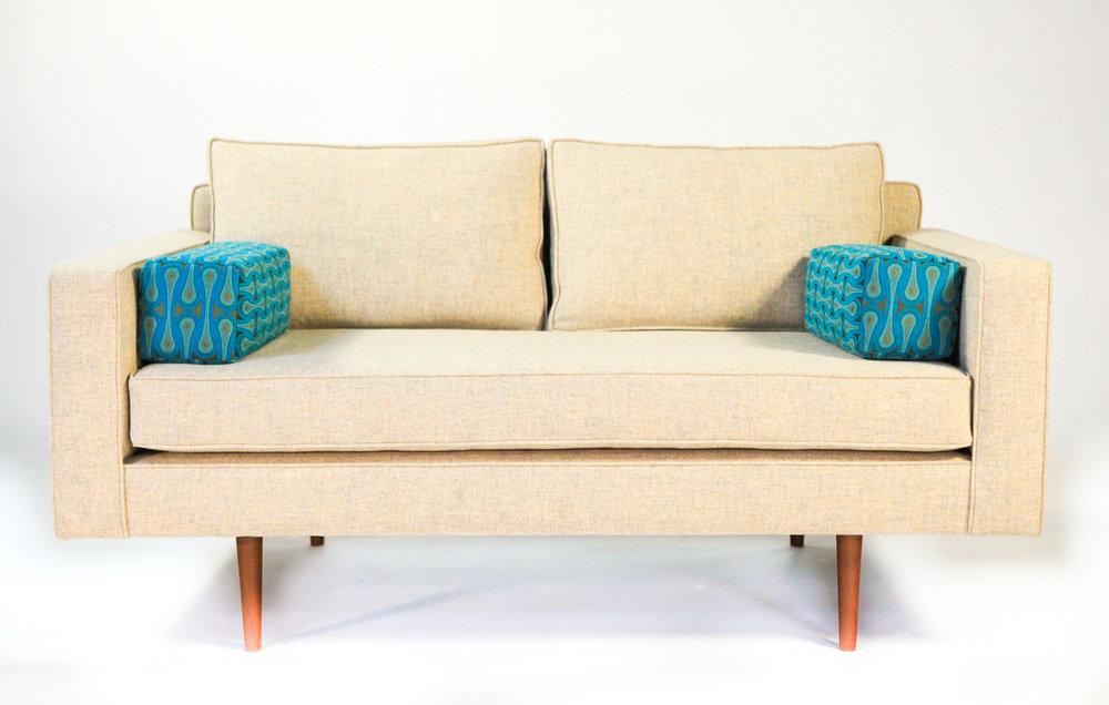 DDMD Conan DROP sofa 1500-50-0556.jpg