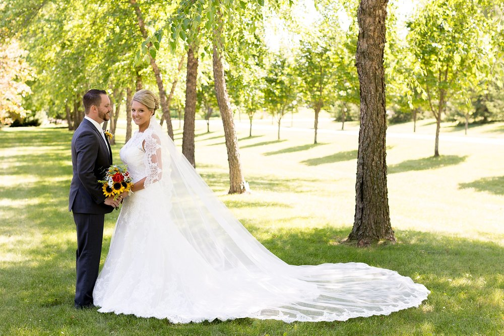 12Alice Hq Photography | Emilie + Tyler Southern MN Wedding.jpg