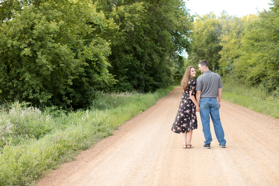 Alice Hq Photography | Courtney + Zach | Belle Plaine MN Engagement16.jpg