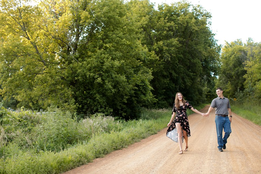 Alice Hq Photography | Courtney + Zach | Belle Plaine MN Engagement17.jpg