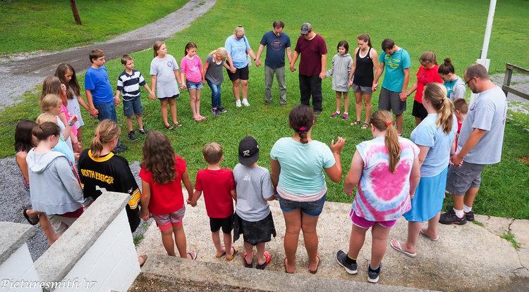 Trailblazers'17-PrayerCircle.jpg
