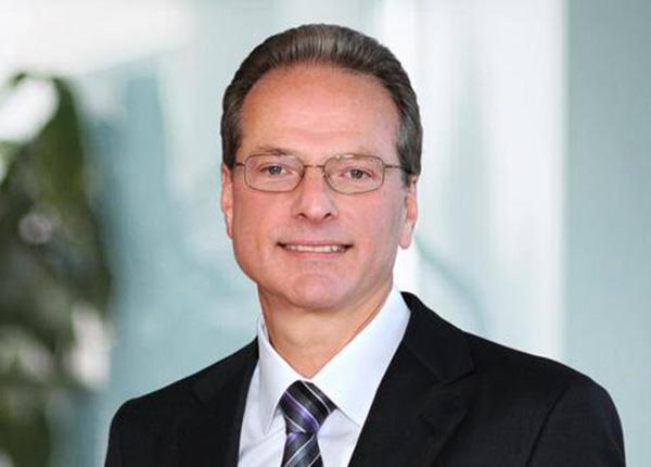 Henry Samueli   Henry Samueli, Chief Technical Officer and Board Member, Broadcom Inc.