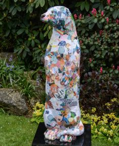 Otter Number 4 Created and Decorated by  Weydon School  Year 9 Art Students and Sponsored by  The Lions Club of Farnham