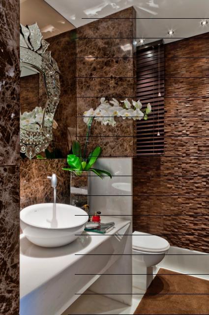 Lavabo com revestimento em espelho bronze e espelho veneziano sobreposto