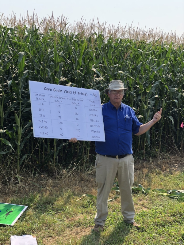 John Grove presents on late N nutrition for corn: guided by plant analysis.