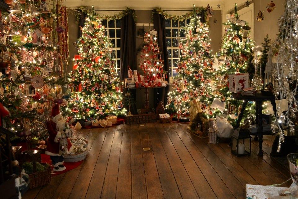 www.historicalchristmasbarn.com