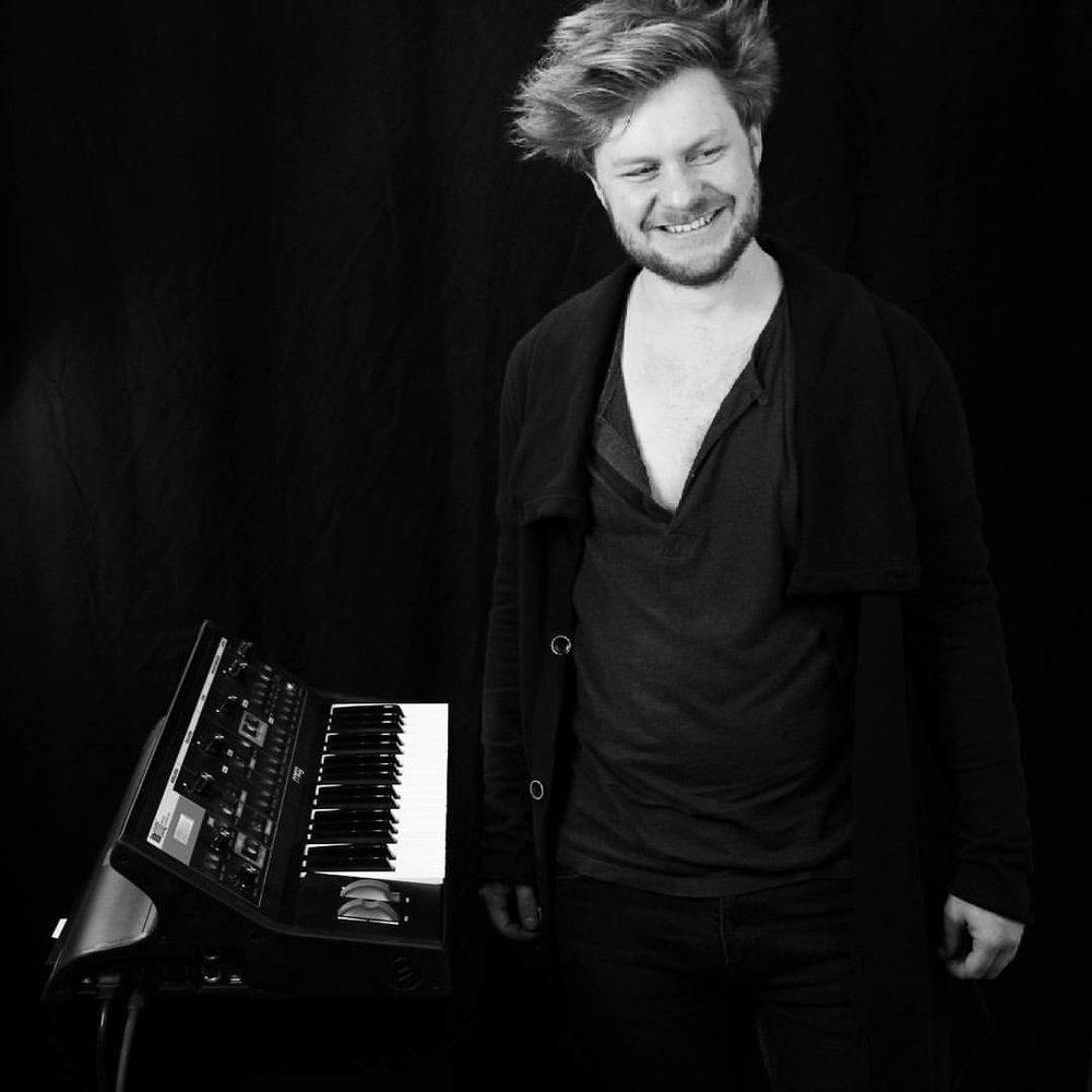 Felix Waltz   #Showband #Piano